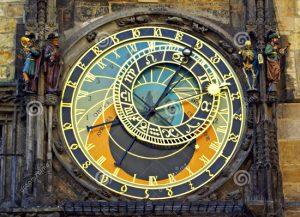 L'orologio astronomico di Praga, installato sul lato sud del municipio nella Città vecchia.